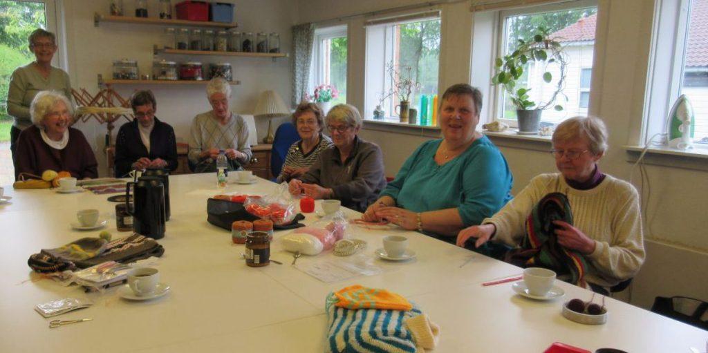 Fra venstre Ulla Nissen, stående Eva Porsvig, derefter Birthe Dalskov, Marianne Dunbar, Inger Madsen, Sonja Eskildsen, Lone Poulsen og Ellen Tofte Lund. (Foto: Ulla Lund)