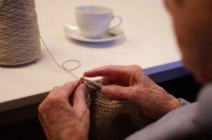 Besøgsven - har du et par ugentlige timer til overs til at bringe lidt lys ind i en ældre medborgers tilværelse